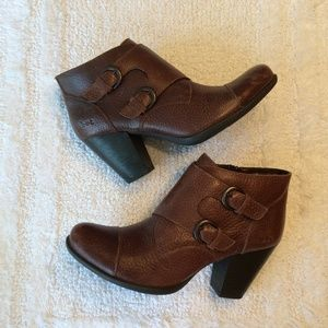 b.o.c. Born Leather Ankle Brown Boots